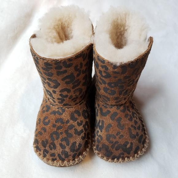 b204de92b07 UGG Cassie Leppard Print Fur Lined Baby Boots